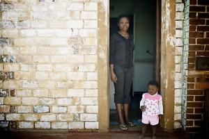 Une malade à Soweto. Photo : Juliette Robert/Youpress