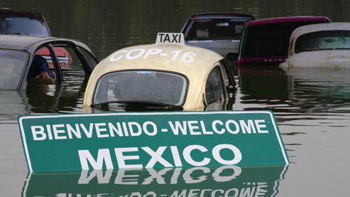 Action de Greenpeace au lac Chapultepec (Mexique), représentant les inondations causées par le réchauffement climatique.  Crédits photo : © Teresa Osorio / Greenpeace
