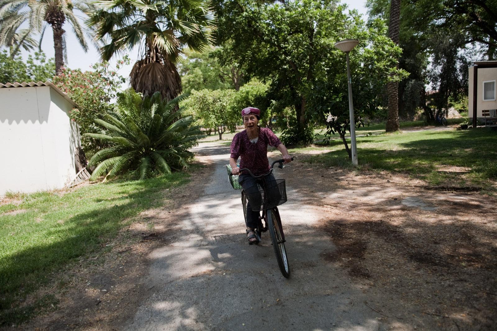 Comme dans tous les kibbutz, le moyen de locomotion est le vélo