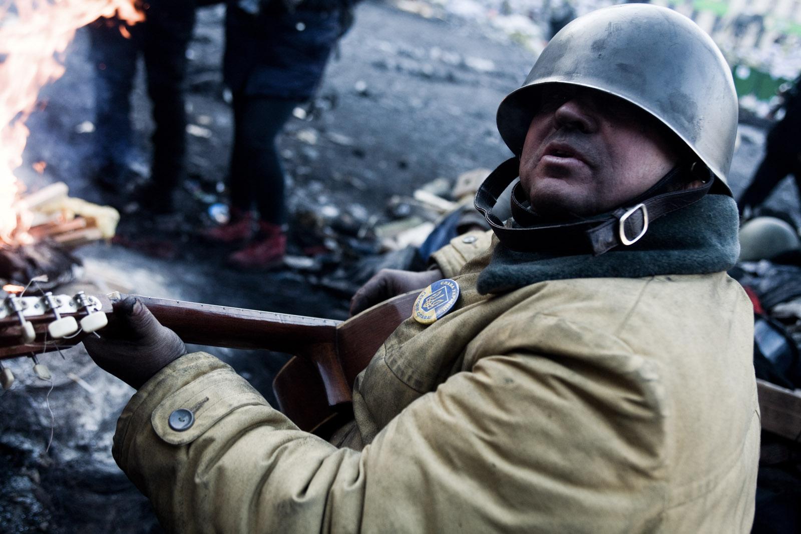 Kiev : vie sur la barricade de la rue Grushevskogo