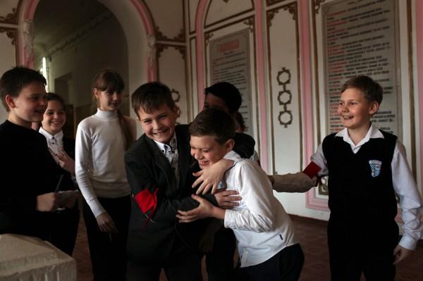 L'école numéro 1 de Simferopol a connu en 1991 le passage de l'URSS à l'Ukraine, et depuis un an à la Russie. © Axelle de Russé