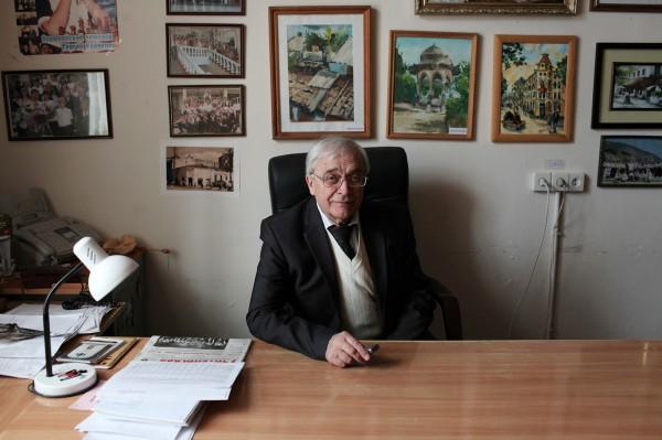 Le directeur de l'école numéro 1 de Simferopol © Axelle de Russé