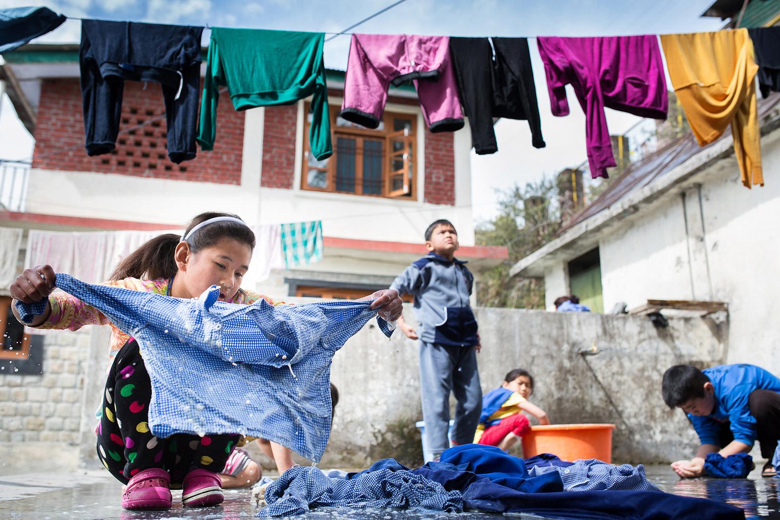 Les enfants prennent en charge la plupart des tâches ménagère