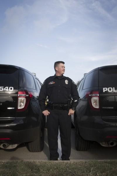 Greg Abbink, premier officier de police transgenre à Austin, Texas. © Moland Fengkov /Haytham Pictures
