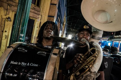 La grosse caisse et le tuba du brass band Young Fellaz. © Juliette Robert/Youpress/Haytham