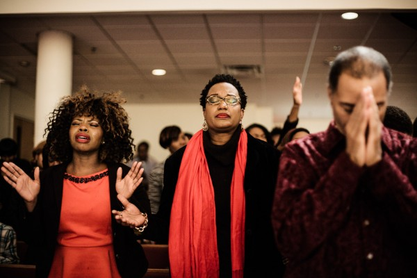 Prieres et chants lors de l'office du dimanche, a la Bethel Church de Jacksonville. © Juliette Robert/Youpress/Haytham