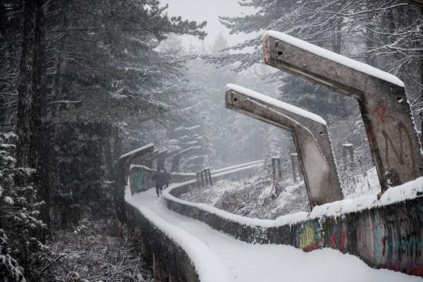 L'ancienne piste de bobsleigh, construite pour les Jeux Olympiques d'hiver de 1984, et qui servit aux forces serbes pendant le siege de Sarajevo. © Juliette Robert/Youpress/Haytham
