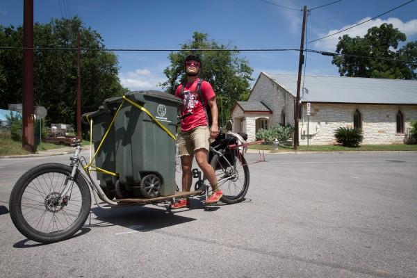 """Un """"compost pedaller"""" © Moland Fengkov"""