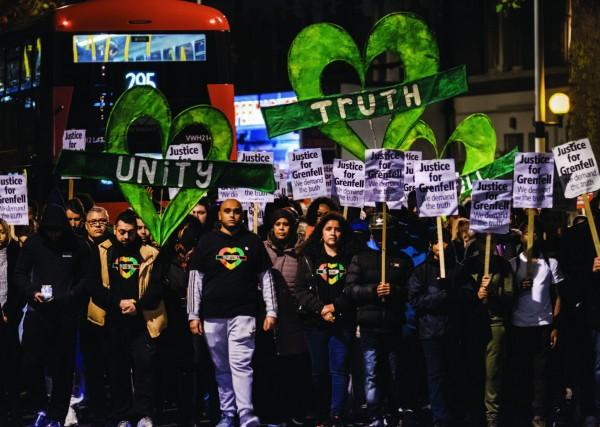 A cinq mois de l'incendie, une marche réclame la vérité et la justice. ©Alban Grosdidier