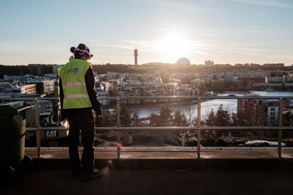 Vue sur la banlieue sud de Stockholm depuis le sommet de l'usine d'Henriksdal. © Juliette Robert